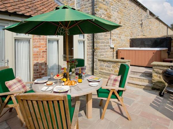 Thirley Cotes Farm Cottages - Willow Cottage, Harwood Dale, near Scarborough, Yorkshire, North Yorkshire with hot tub