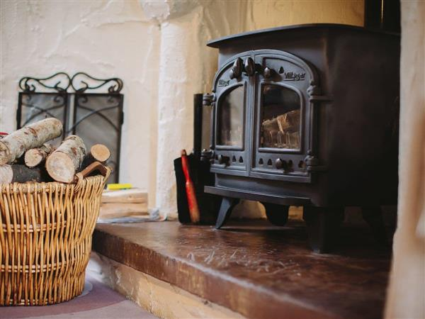 Tottergill - Gelt Cottage, Castle Carrock, near Brampton, Cumbria with hot tub