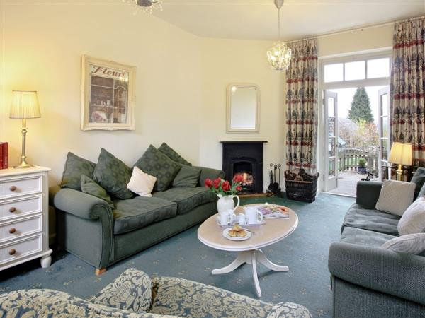 Westwood Lodge Cottages - Orchard Cottage, Ilkley, West Yorkshire with hot tub