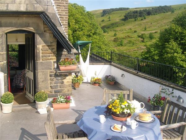 Westwood Lodge Cottages - The Moorview, Ilkley, West Yorkshire with hot tub