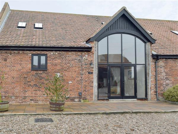 Wheatacre Hall Farm - Coot, Wheatacre, near Beccles, Norfolk with hot tub