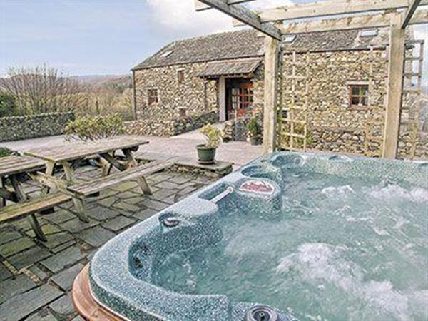 Wood View, Rusland, nr. Ulverston, Cumbria with hot tub