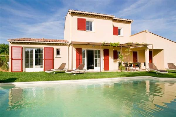 3 Bed Villas Domaine, Saint Saturnin les Apt, Provence With Swimming Pool