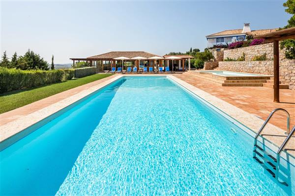 Casa Imperial, Albufeira, Algarve With Swimming Pool