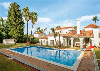 Villa Casa Almenara, Sotogrande, Costa del Sol With Swimming Pool