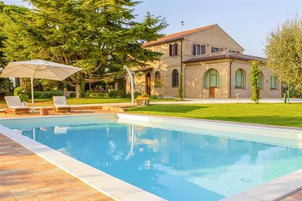 Villa Panperduto, Civitanova Marche, Le Marche With Swimming Pool