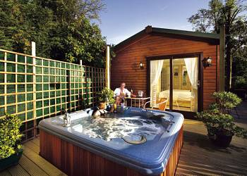 Gummers How Retreat, Newby Bridge with hot tub