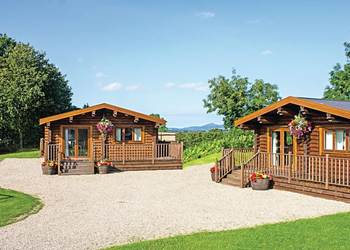 Roseberry Lodge, Middlesbrough, Yorkshire with hot tub