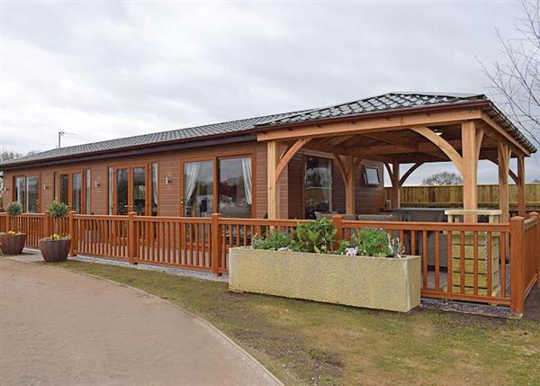 Caistor Lakes Lodges, Louth