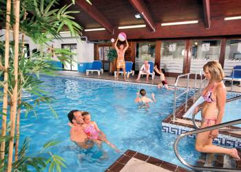 Enjoy your Hot Tub at Finlake Lodges