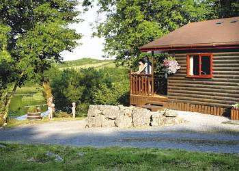 Enjoy a leisurely break at Garnffrwd Park