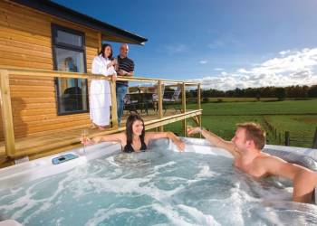 Lay in a Hot Tub at Kessock Highland Lodges