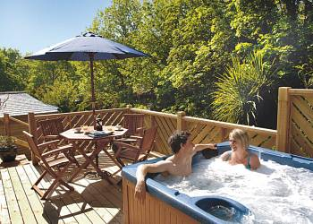 Carne Cabin Premier, Perranporth, Cornwall with hot tub