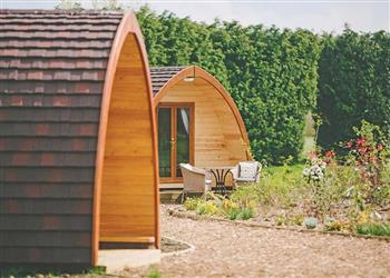 Garden Pod, Grimsby, Laceby with hot tub