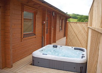 The hot tub at Kingsford Farm Lodges, in Devon