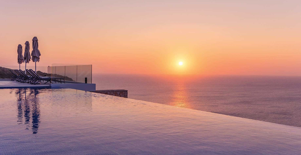 Villa Aurora has an infinity pool with sea views